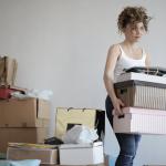 Gemakkelijk grote voorwerpen verplaatsen met een verhuislift tijdens een verhuizing